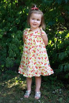 DIY Clothes Refashion: DIY Summer Picnic Dress DIY Clothes DIY Refashion DIY Sew