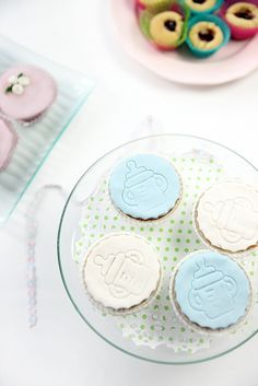 baptism cupcakes Christening Cupcakes, Party Planning, Give It To Me, Plates, Baking, Tableware, Licence Plates, Dishes, Dinnerware