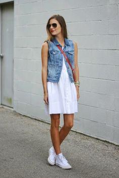 Как носить кроссовки с платьем?