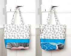 Tasche mit Schmetterlingen, schwarz-weiss, blau, rosé // mit Innentasche von…