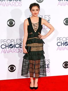 The 2016 People's Choice Awards: Lucy Hale http://en.louloumagazine.com/celebrity/red-carpet/the-2016-peoples-choice-awards/ / Les People's Choice Awards 2016: Lucy Hale http://fr.louloumagazine.com/stars/tapis-rouge/les-peoples-choice-awards-2016/