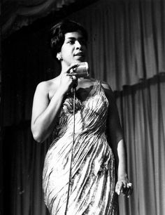 Della Reese singer actress Touched by an Angel. Vintage Black Glamour, Vintage Beauty, Reese King, Della Reese, Touched By An Angel, Black Goddess, Gone Girl, Rhythm And Blues, Black Pride