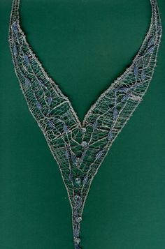 Necklace Needle Lace, Bobbin Lace, I Am Store, Lace Heart, Lace Jewelry, Lace Making, String Art, Textile Art, Lace Detail