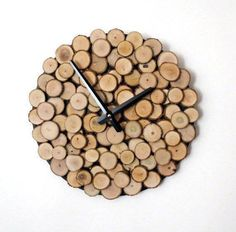 These 10 unique clocks are great for gifts! #handmadehomedecor
