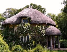 thatch roof, thatch cottag, architectur, roofs, english cottag, hobbit houses, dream houses, garden, little cottages