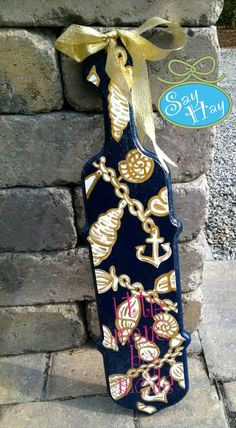 Lilly Pulitzer Fallin in Love inspired sorority paddle in navy, white, and gold!