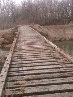 Old Deer Creek Bridge, Carpenter, Iowa Old Bridges, Laundry Hacks, Cool Countries, Covered Bridges, Best Memories, Abandoned Places, Carpenter, Arches, Pretty Pictures