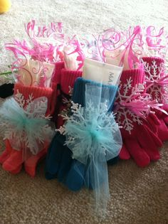 Mary Kay satin hands hand cream in gloves with cute snowflake ornament! $12