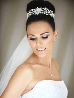 23 Exquisite Hair Adornments GOSTEI DO ACESSÓRIO - PORTA-COQUE for the Bride - Mon Cheri Bridals