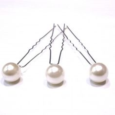 Epingle cheveux en perles - 2,90€ les trois.