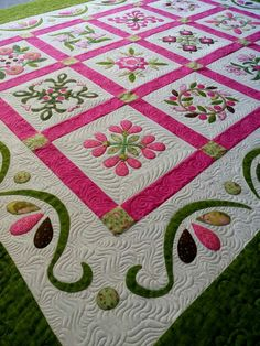 Colchas Quilting, Free Motion Quilting, Machine Quilting, Quilting Designs, Hawaiian Quilt Patterns, Applique Quilt Patterns, Hawaiian Quilts, Lap Quilts, Amish Quilts