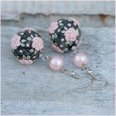 Embroidered felt ball earrings Frozen Roses in by NettesRoseGarden, €20.00