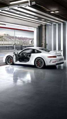 white GT3. Prolly the first luxury whip I'll buy. Cause dad loved em too