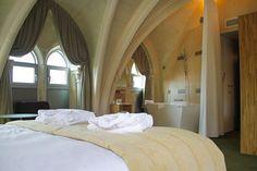 Mercure Poitiers Centre | Hotel dans l'ancienne chapelle du Gésu, Poitiers, France