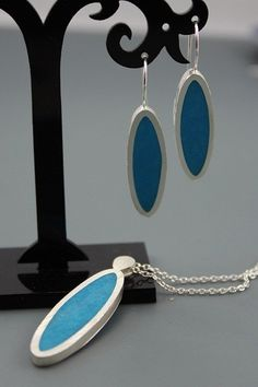 Sterling silver and resin Pendant and earring set