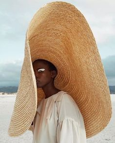 If you love the signature Jacquemus bag, you'll love his quirky shoes and hats too Jacquemus Bag, Quirky Shoes, Site Mode, J Brand, Visor Hats, Bohemian Lifestyle, Lifestyle Blog, Islamic Clothing, Summer Beach