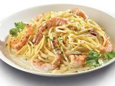Espaguetis con camarones Excelente combinación #fácil #rápida y doblemente #deliciosa...