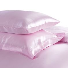 22 Momme Seamless Silk Bedding Set Pink (4)   http://www.snowbedding.com/   Snow Bedding offers a wide range of silk bedding products: silk filled duvet/ comforter, silk pillows, silk sheets, silk bedding sets in different styles and colors.  #silkbedding #silksheets #silkluxurybedding #silkbeddingsets #luxurybedding #chinesesilkbedding #satinbedding #silkcomforters #silkbeddingcostco
