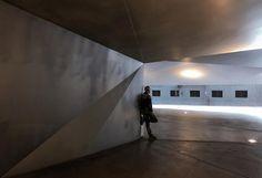 A place for waiting... . . . . #madrid #igersmadrid #madridgram #madridgrafias  #primerolacomunidad #communityfirst #hallazgosemanal #instagramEs #instantes_gf #fotomovil_es #fotonline_es #instaghesboro #ig_worldclub #gramoftheday #ig_masterpiece #ig_photooftheday #igrecommend #instagrames #primerolacomunidad #communityfirst #hallazgosemanal #tinyperson #blipoint #streeshood #beststreets