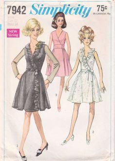 Simplicity 7942 (Bust 34) original vintage sewing pattern 1968.