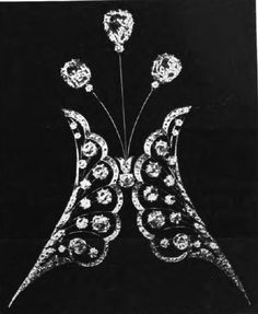 from 1900, a diamond head jewel-aigrette, with two scallope-edged diamond motifs flanking three higher diamonds, but no feathers