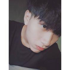 Tìm -)) Korean Boys Ulzzang, Cute Korean Boys, Ulzzang Boy, Asian Boys, Cute Boyfriend Pictures, Boy Pictures, Handsome Anime Guys, Handsome Boys, Beautiful Boys