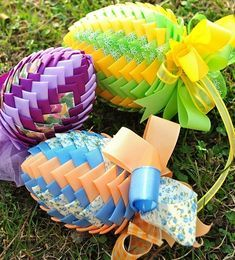 If you are planning to spend some great time with your kids this Easter then try out these easy unique Easter craft ideas. Have real fun and paint Easter eggs in a unique manner! Easter Crafts For Toddlers, Diy Crafts For Adults, Easter Crafts For Kids, Diy For Kids, Easter Ideas, Diy Osterschmuck, Diy Easter Decorations, Diy Ostern, Egg Decorating