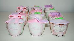 Cupcakes y porta cupcakes para el primer añito de Abril!!