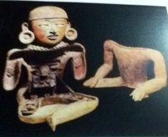Figura femenina hueca con personajes dentro,Teotihuacan.