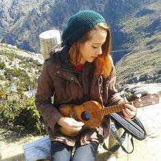 #Repost @claudia.chang.model  Adivinen dónde estuve ayer :3 junto a @dellyhernandez fuimos a pasear los ukeleles haha #ukelele #music #girl #nature #ukulele #uke #guitar #ukelove #ukelife