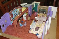 paper model of the Friends apartment