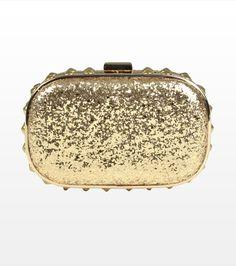 Dynamite: 29,90 $ Trend: gold accessories and hard clutches   Description: Ajoutez du chic et du glam à vos tenues avec cette superbe mianudière à effet diamanté ornée d'un fermoir et d'une chaînette dorée.