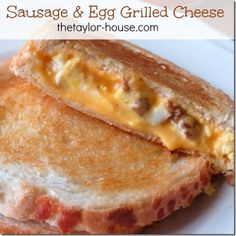 Sausage and Egg Grilled Cheese? Are you kidding me? Bacon Egg & Grilled Cheese would be good too! Breakfast Desayunos, Breakfast Dishes, Breakfast Recipes, Breakfast Sandwiches, Breakfast Burritos, Sausage Breakfast, Breakfast Casserole, I Love Food, Good Food
