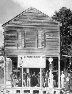 "North Carolina 14/""x10/"" Gas Pump Country Store 1939 Old Photo Coke Tobacco"