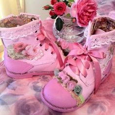 Shabby Chic Shoes ( I should decoupage ones from auction) Pink Love, Pretty In Pink, Pink And Green, Hot Pink, Mode Rose, Rose Fushia, Fru Fru, Shabby Chic Crafts, Pink Boots
