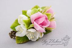 ceramic floristry, cold porcelain, polymer clay flowers Polymer Clay Flowers, Polymer Clay Jewelry, Sugar Flowers, Paper Flowers, Marzipan, Cold Porcelain Flowers, Biscuit, Cute Clay, Stud Earrings