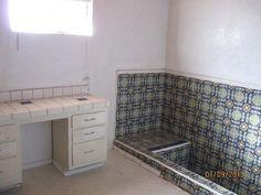 For design - small rectagular deep sunken tub. Sunken Tub, Bathroom Renos, Environment Design, Corner Desk, Tiles, Bathtub, Interior, Deep, Furniture