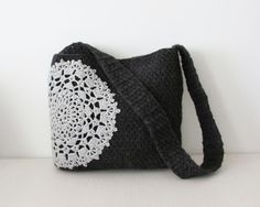 Grey crochet messenger bag doily applique by KatarinaBagsnPurses Crochet Messenger Bag, Tote Bags For School, Knitted Bags, Crochet Bags, Felt Purse, Other Accessories, Doilies, Purses And Bags, Elsa