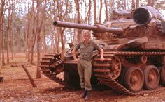 Australian soldier Gordon Taylor standing in front of Centurion Mk tank, Vietnam, 1968 The Centurions, Australian Defence Force, Vietnam War Photos, Tank Design, Battle Tank, Vietnam Veterans, Military History, Usmc, World War Ii