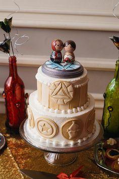 Erica + James' Avenger Themed Wedding (When Geeks Wed) Geek Wedding, Dream Wedding, Wedding Day, Avengers Wedding, Wedding Superhero, Avengers Comic Books, Comic Book Wedding, Nontraditional Wedding, Geek Humor