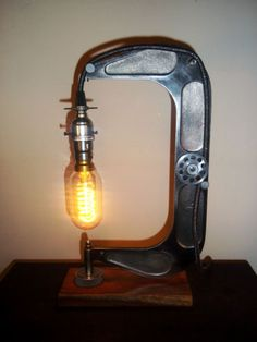 Unique-Up-Cycled-Vintage-Cast-Iron-Rustic-Industrial-Steampunk-Table-Lamp-Light