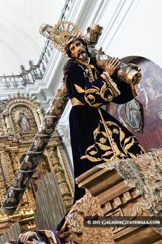 Procesion de la Consagrada Imagen de Jesus Nazareno de la Merced, Ciudad de Guatemala, Semana Santa en la Ciudad de Guatemala, Viernes Santo, Semana Santa 2011