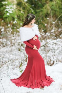 Ruched Fold Over Flare Gown with Long Sleeves – Maternity Photos Maternity Photography Poses, Maternity Poses, Maternity Fashion, Maternity Dresses, Winter Maternity Pictures, Maternity Christmas Pictures, Christmas Pregnancy Photos, Slim Fit, Fitness Exercises