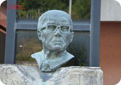 Busto di Sandro Pertini presso il Municipio di Stella