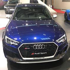 LEDs and carbon - can't go wrong with them New Audi in Navarra blue - BI-Turbo - - & / ---- oooo - what else ---- . Audi Q, Audi Cars, Rs 4, Amazing Cars, Car Show, Country Life, Taxi, Cars Motorcycles, Dream Cars