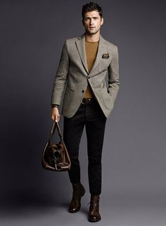 Earth tone combo with a beige blazer brown silk pocket square brown t-shirt brown leather bag brown leather belt brown leather banded watch navy slim cut denim brown leather boots. Sean O'pry, Gentleman Mode, Gentleman Style, Mens Fashion Blog, Fashion Mode, Fashion Menswear, Mens Office Fashion, Stylish Men, Men Casual