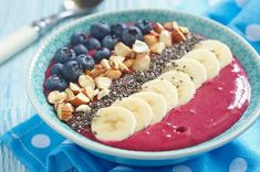 These high-protein vegan breakfast recipes and high-protein vegetarian breakfast recipes are the best way to start your day off right, no meat or dairy required Smoothies Detox, Smoothie Recipes, Superfood Smoothies, Curry Recipes, Paleo Recipes, Smothie Bowl, High Protein Vegan Recipes, Coconut Milk Curry, Almond Milk