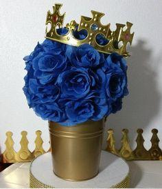 Ideas para un cumpleaños con temática de la realeza – Royal Prince http://tutusparafiestas.com/ideas-cumpleanos-tematica-realeza/ #cumpleañosprincesa #cumpleañosprincipe #cumpleañostemaprincipe #cumpleañostemarealeza #decoracionparafiestacontemaderealeza #fiestadelarealeza #fiestadeprincesa #fiestadeprincipe #fiestadereina #fiestaderey #fiestareal #fiestatematicadelarealeza #ideasparafiestadelarealeza
