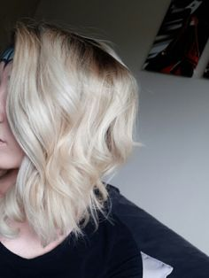 Blonde Curly blowdry :)