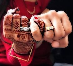 indian wedding When you want to do something hatke! to flaunt your engagement ring, this unusual shot comes up. getweddinginspo for Indian Engagement Photos, Indian Wedding Pictures, Indian Wedding Poses, Indian Wedding Couple Photography, Wedding Couple Photos, Bride Photography, Wedding Couples, Engagement Couple, Wedding Ideas